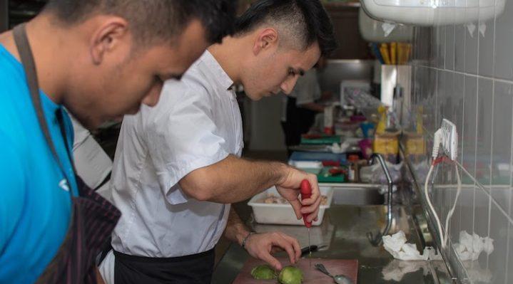 Curso de cocina profesional en lanzarote con esacan for Material de cocina profesional